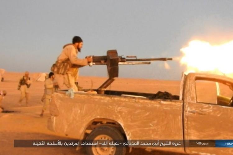 Quan doi Syria ton that nang tren duong cao toc Palmyra-Deir Ezzor-Hinh-5