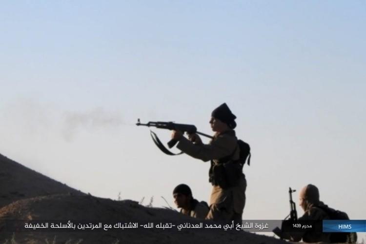 Quan doi Syria ton that nang tren duong cao toc Palmyra-Deir Ezzor-Hinh-6