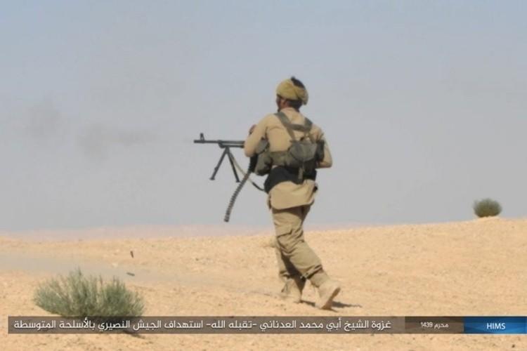 Quan doi Syria ton that nang tren duong cao toc Palmyra-Deir Ezzor-Hinh-7
