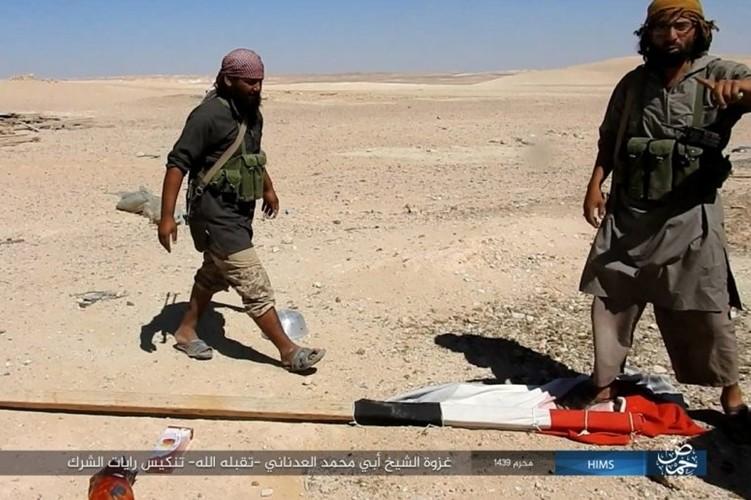 Quan doi Syria ton that nang tren duong cao toc Palmyra-Deir Ezzor-Hinh-8