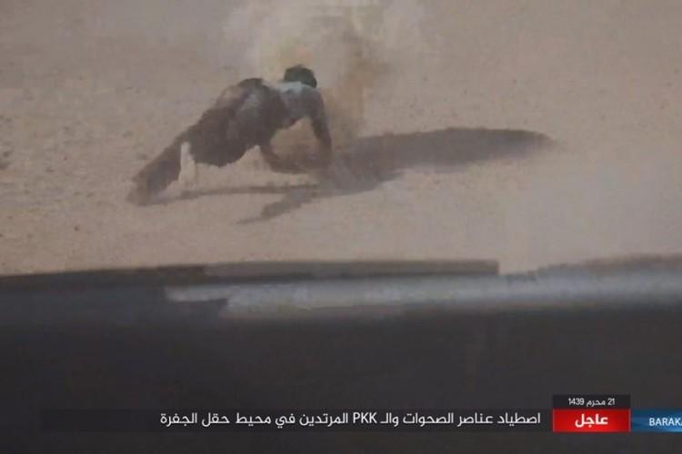 Chum anh phien quan IS san duoi SDF o mo dau Jafrah-Hinh-10