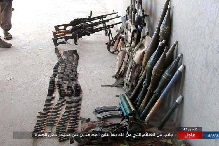 Chum anh phien quan IS san duoi SDF o mo dau Jafrah-Hinh-12