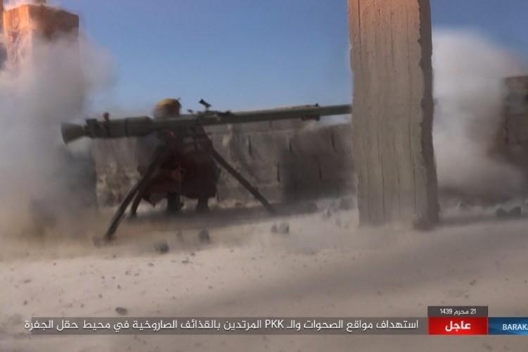 Chum anh phien quan IS san duoi SDF o mo dau Jafrah-Hinh-3