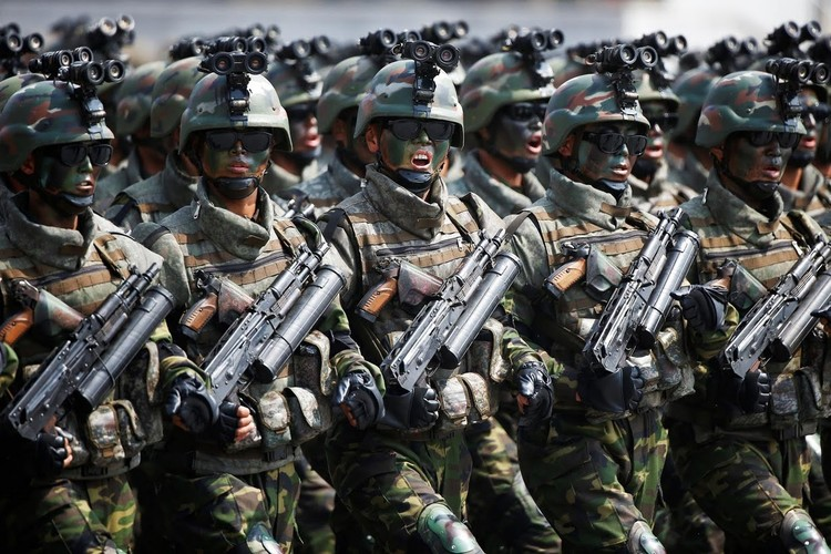 Chum anh CHDCND Trieu Tien trong cuoc duyet binh-Hinh-2