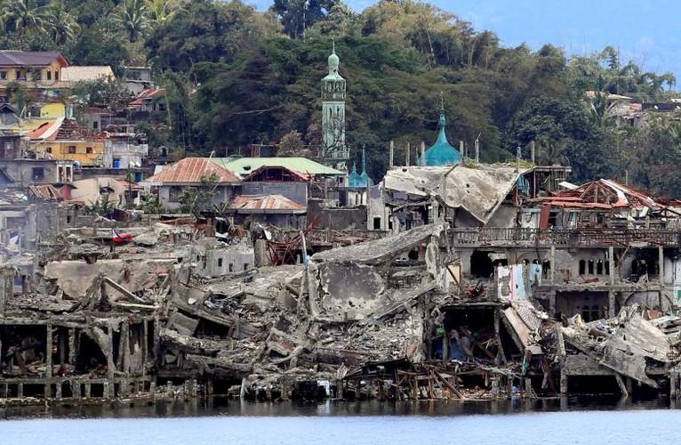 Anh: Thanh pho Marawi bi pha huy trong cuoc chien chong IS-Hinh-10