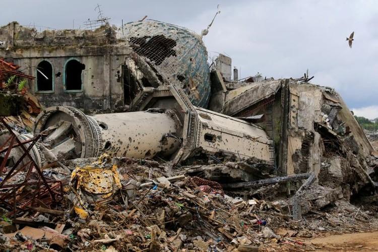 Anh: Thanh pho Marawi bi pha huy trong cuoc chien chong IS-Hinh-15