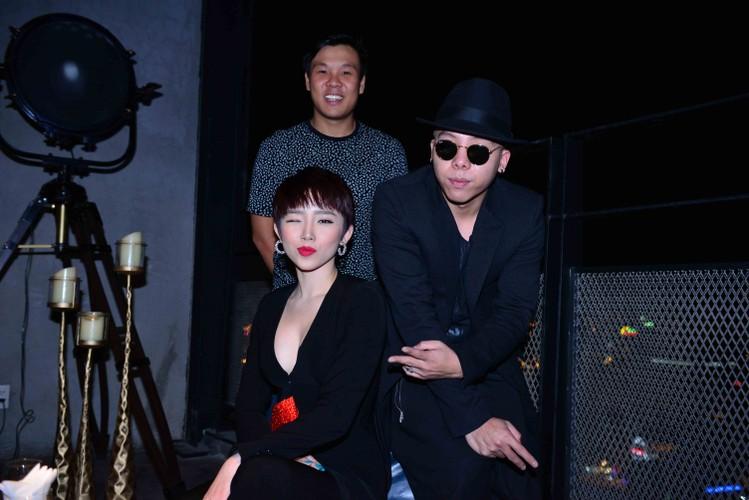 Dan thi sinh khung do bo gameshow The Remix-Hinh-4
