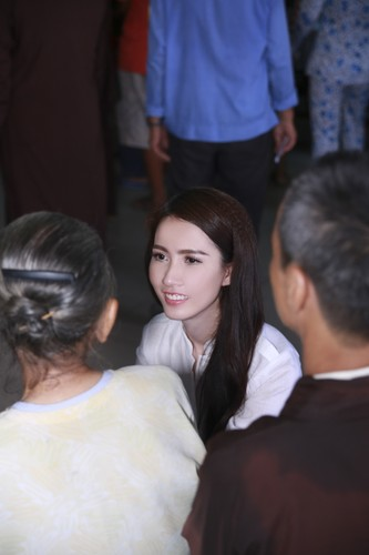 Mo Phan mung sinh nhat thu 26 cung nguoi ngheo-Hinh-4