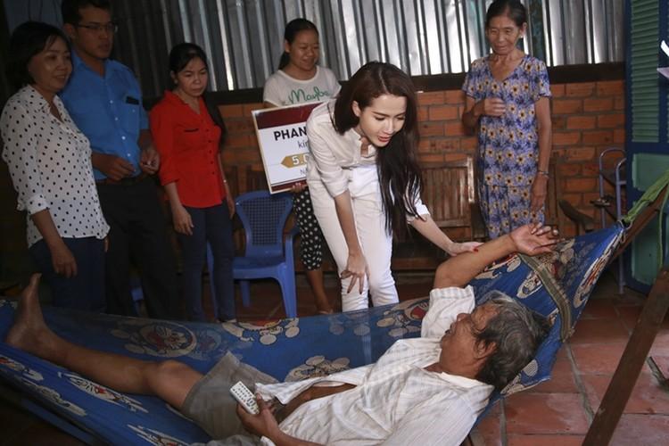 Mo Phan mung sinh nhat thu 26 cung nguoi ngheo-Hinh-9