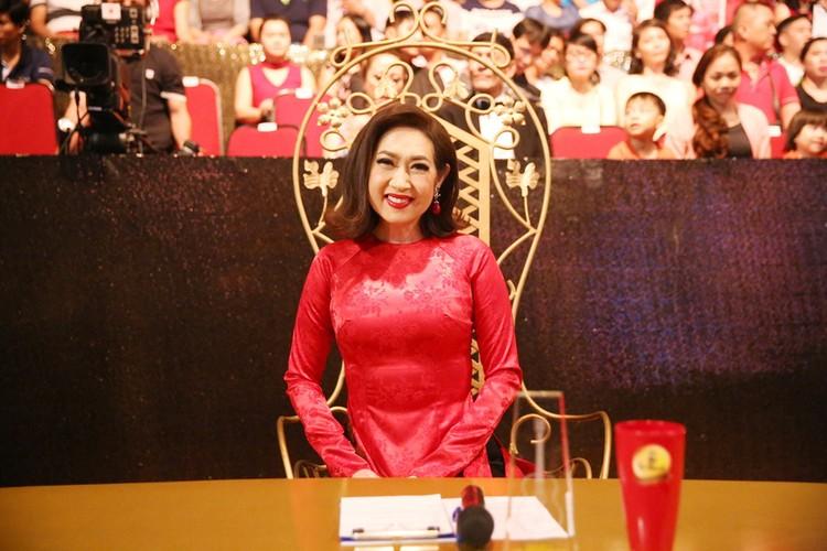 Phi Nhung nhieu lan hon Manh Quynh tren san khau-Hinh-9