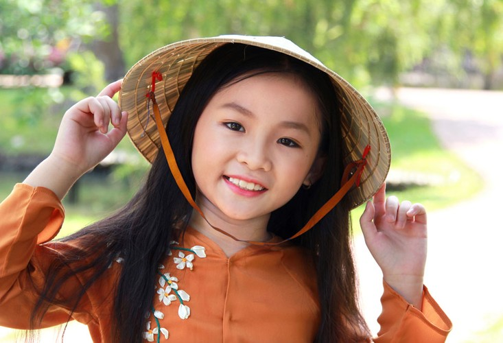 Tan chay voi ve dang yeu cua co be dan ca Nghi Dinh-Hinh-7