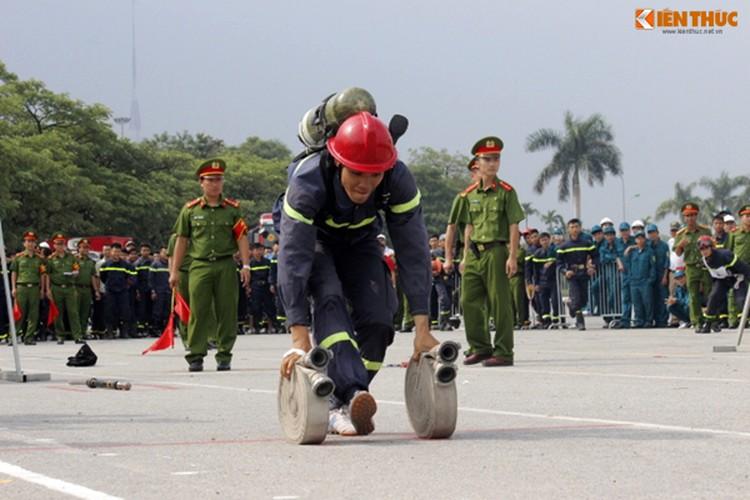 Muc kich hang nghin chien si PCCC cuu hoa o My Dinh-Hinh-10