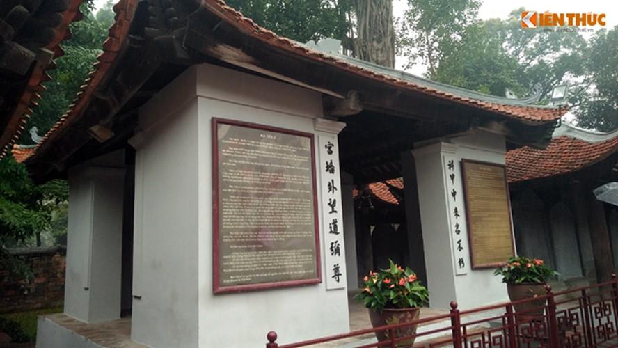 Can canh Van Mieu duoc lam moi, du khach ngo ngang-Hinh-4