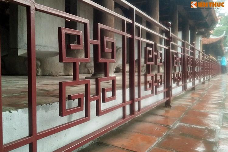 Can canh Van Mieu duoc lam moi, du khach ngo ngang-Hinh-5