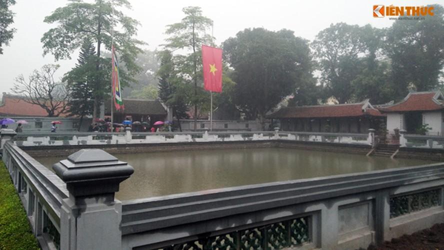 Can canh Van Mieu duoc lam moi, du khach ngo ngang-Hinh-6