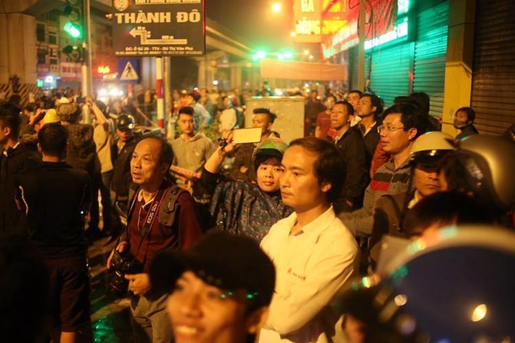 Anh: Cau thanh cong tau len ray duong sat tren cao Cat Linh – Ha Dong-Hinh-12