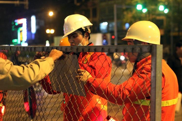 Anh: Cau thanh cong tau len ray duong sat tren cao Cat Linh – Ha Dong-Hinh-3