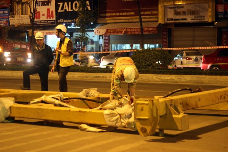 Anh: Cau thanh cong tau len ray duong sat tren cao Cat Linh – Ha Dong-Hinh-4