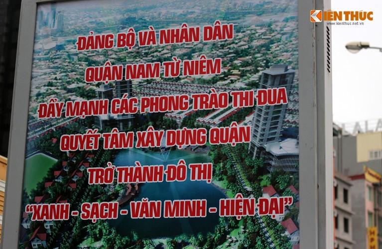 Anh: Ngo ngang hang loat bang sai chinh ta giua pho Ha Noi-Hinh-2