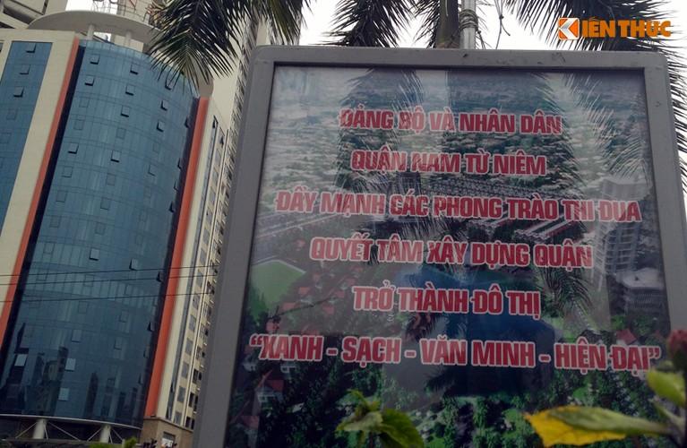 Anh: Ngo ngang hang loat bang sai chinh ta giua pho Ha Noi-Hinh-3