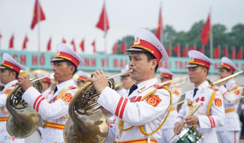 Anh: Dai bieu Quoc hoi vieng Chu tich Ho Chi Minh-Hinh-2