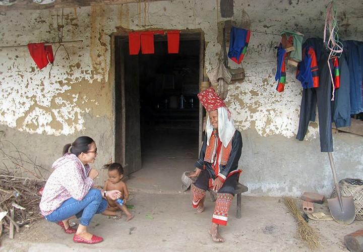 Chum anh: Phong vien bang rung loi suoi tac nghiep-Hinh-10