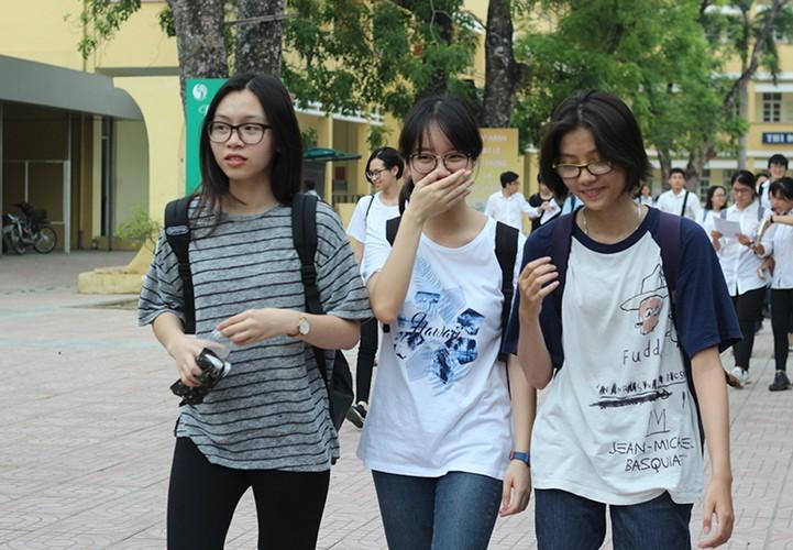 Thi sinh nhan nho mat sau thi mon Toan THPT Quoc gia 2017-Hinh-6