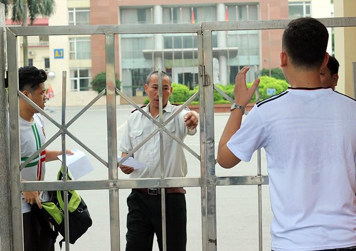 Thi THPT Quoc gia 2017: Nhieu thi sinh lao nhu bay vi den muon-Hinh-15