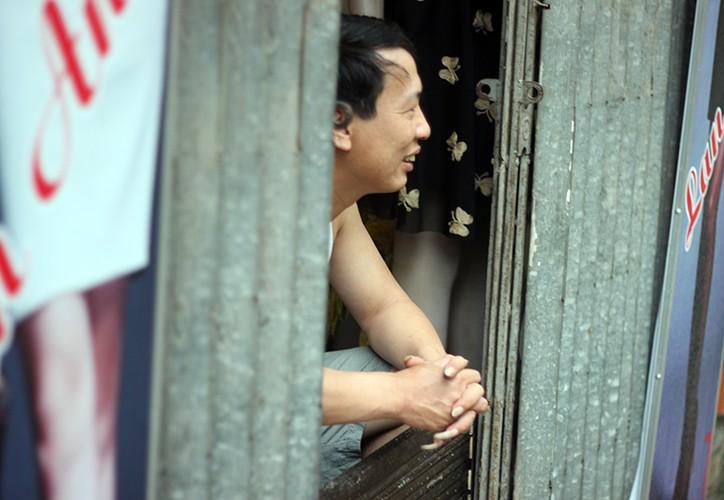 Anh: Duong pho Ha Noi bien thanh song do anh huong bao so 2-Hinh-7
