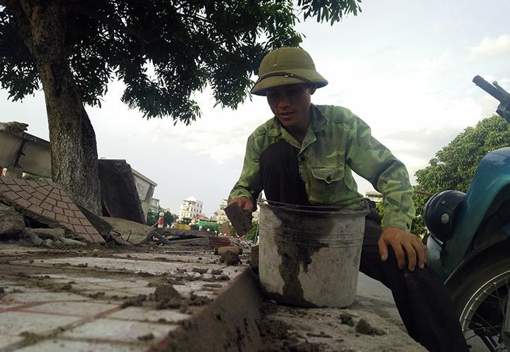 """Muc so thi pho di bo Trinh Cong Son truoc ngay thay """"ao moi""""-Hinh-4"""