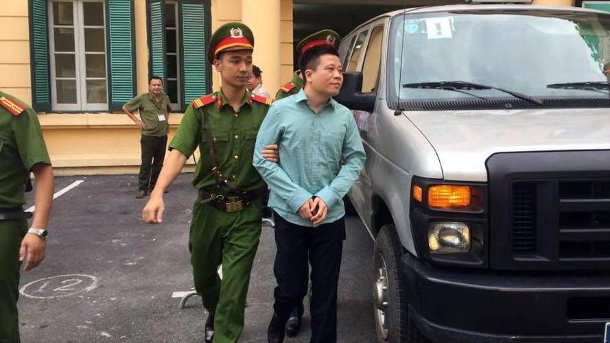 La lung: Mang toi danh chong chat, Ha Van Tham van cuoi tuoi-Hinh-3