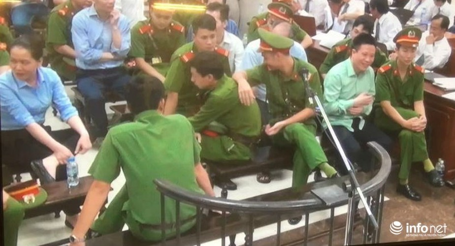 La lung: Mang toi danh chong chat, Ha Van Tham van cuoi tuoi-Hinh-9