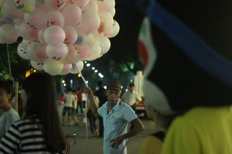 Pho phuong Ha Noi, TP.HCM soi dong chao don Quoc khanh 2/9-Hinh-11