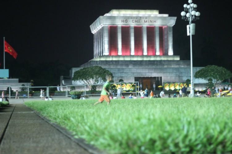 Pho phuong Ha Noi, TP.HCM soi dong chao don Quoc khanh 2/9-Hinh-15