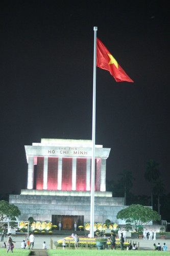 Pho phuong Ha Noi, TP.HCM soi dong chao don Quoc khanh 2/9-Hinh-17
