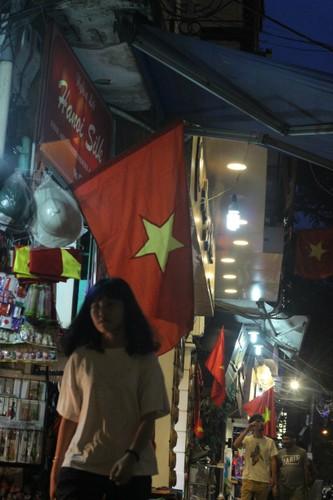 Pho phuong Ha Noi, TP.HCM soi dong chao don Quoc khanh 2/9-Hinh-3