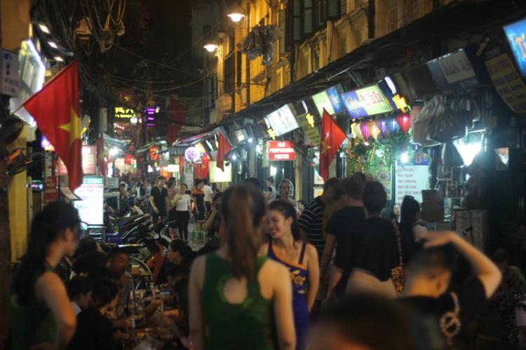 Pho phuong Ha Noi, TP.HCM soi dong chao don Quoc khanh 2/9