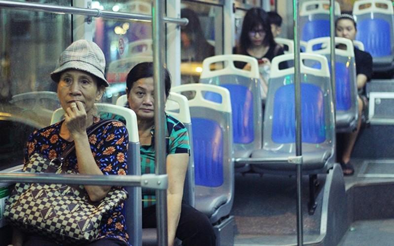 "Buyt nhanh BRT vang khach sau phat bieu ""qua tai""-Hinh-7"