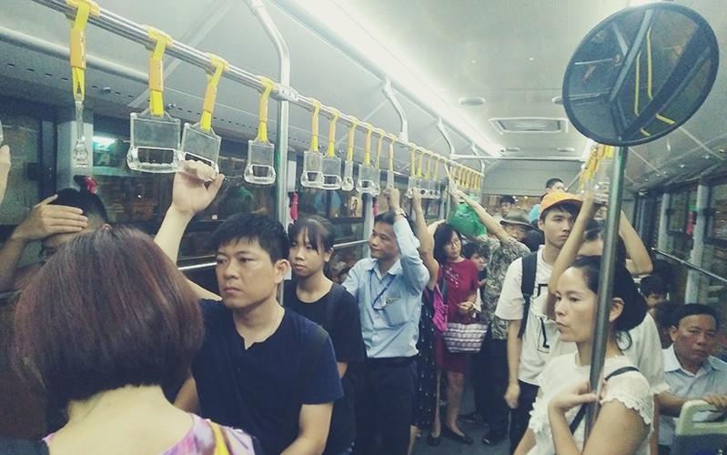 "Buyt nhanh BRT vang khach sau phat bieu ""qua tai""-Hinh-9"