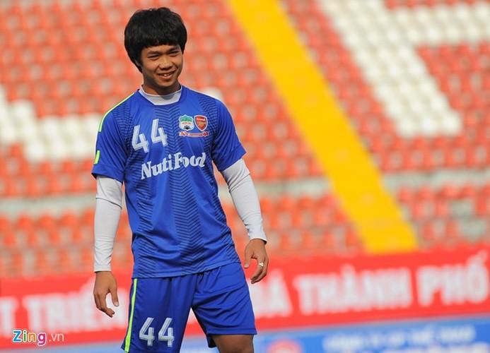 Sinh nhat Cong Phuong: Giua bon be ap luc-Hinh-4