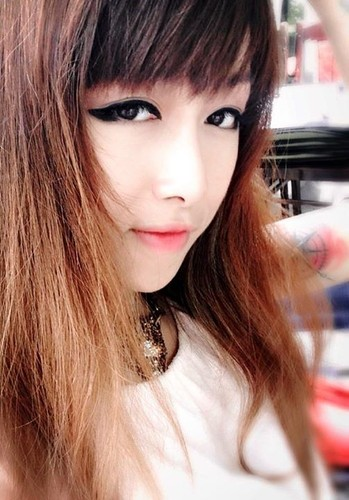 Nhan sác hot girl da tai duoc Tung Min cau hon trong bar-Hinh-10