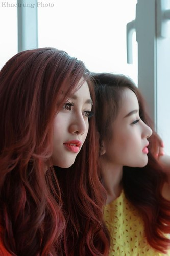 Gai xinh gia lam chi em sinh doi dot nong mang Viet-Hinh-11