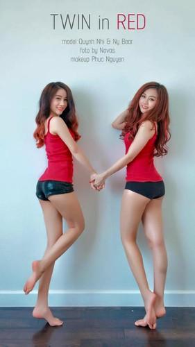 Gai xinh gia lam chi em sinh doi dot nong mang Viet-Hinh-2