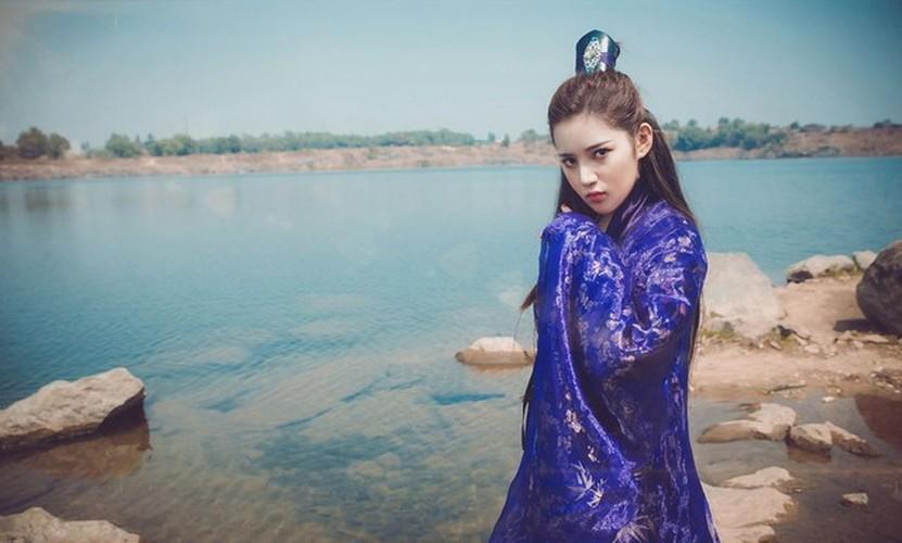 Hot girl Milan Pham bat ngo hoa Ly Mac Sau cuc xinh-Hinh-4