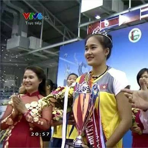 Nhan sac chan dai 9X gianh ngoi Hoa khoi VTV Cup 2015