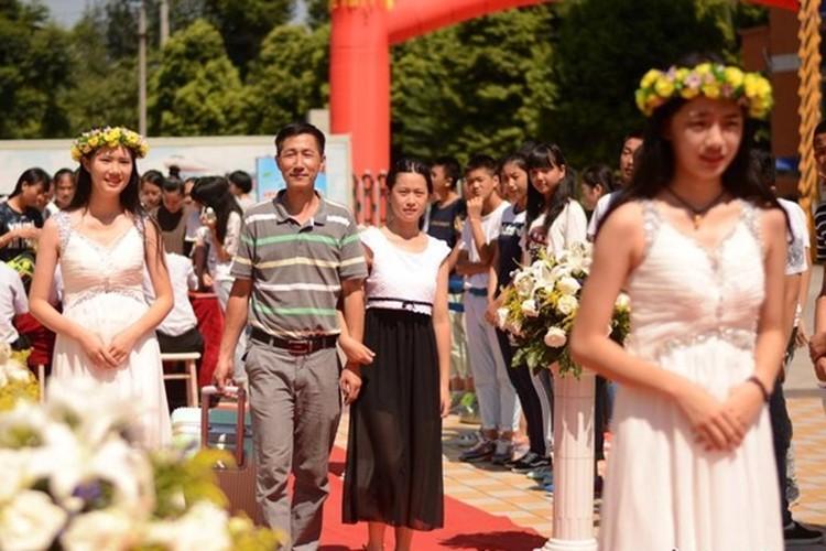 Man don tan sinh vien gay choang cua Hoc vien Hang khong-Hinh-4