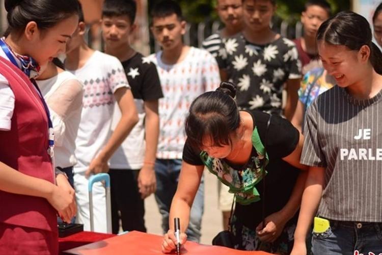Man don tan sinh vien gay choang cua Hoc vien Hang khong-Hinh-7