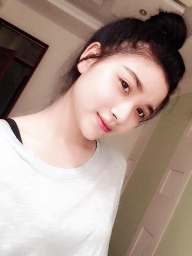 "Nu sinh canh sat co not ruoi duyen, ""xinh nhat Dong Nam Bo""-Hinh-5"