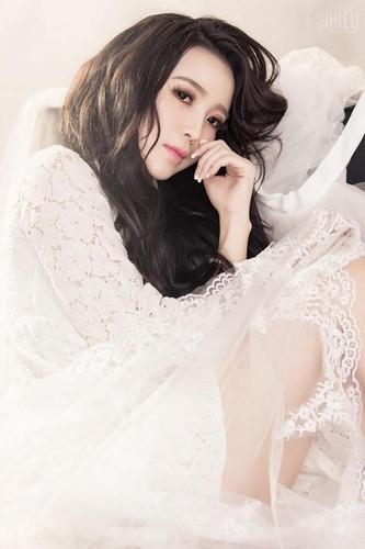 Hoa khoi cong so, Anna Trang Huynh xinh dep van nguoi me-Hinh-3