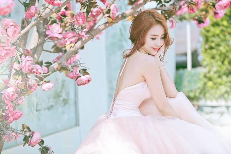 Hoa khoi cong so, Anna Trang Huynh xinh dep van nguoi me-Hinh-7